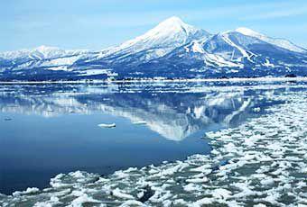 日本東北豬苗代湖