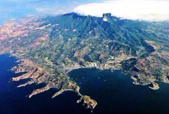 皮納圖博火山