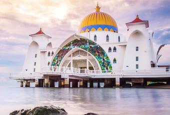吉隆坡馬六甲海峽清真寺