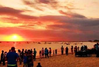 巴里島金巴蘭海灘夕陽