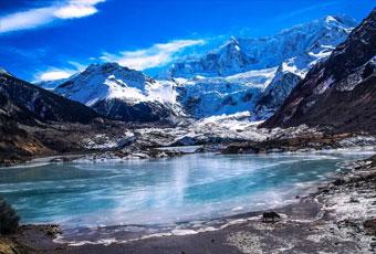 西藏米堆冰川