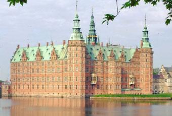 丹麥西蘭島的童話古堡