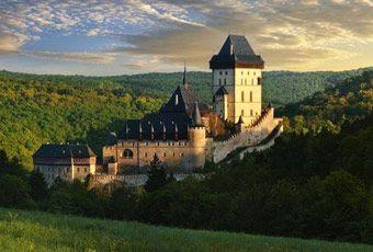 捷克旅行卡爾什特因城堡