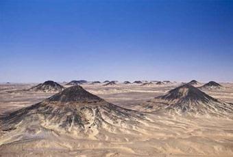 埃及旅行黑沙漠