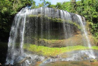 帛琉安德茂大瀑布