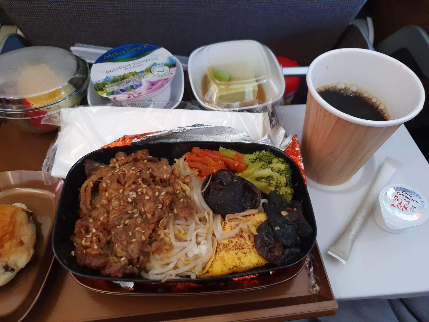 星宇航空胡同燒肉機上餐