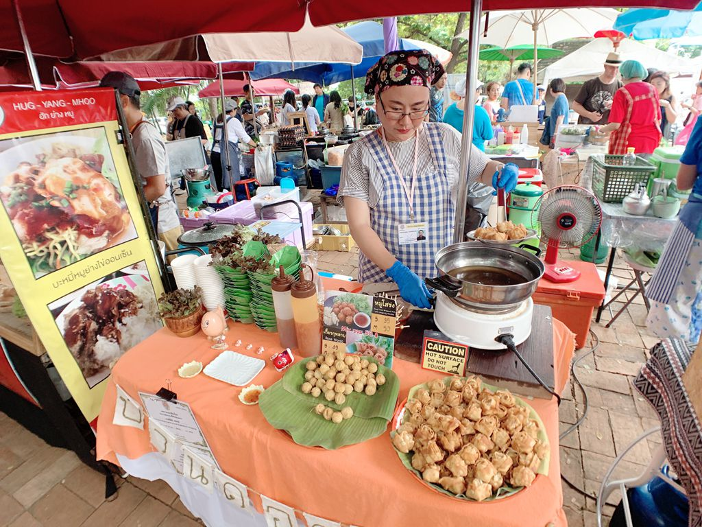 清邁傳統小吃炸豬肉-jingjaimarket