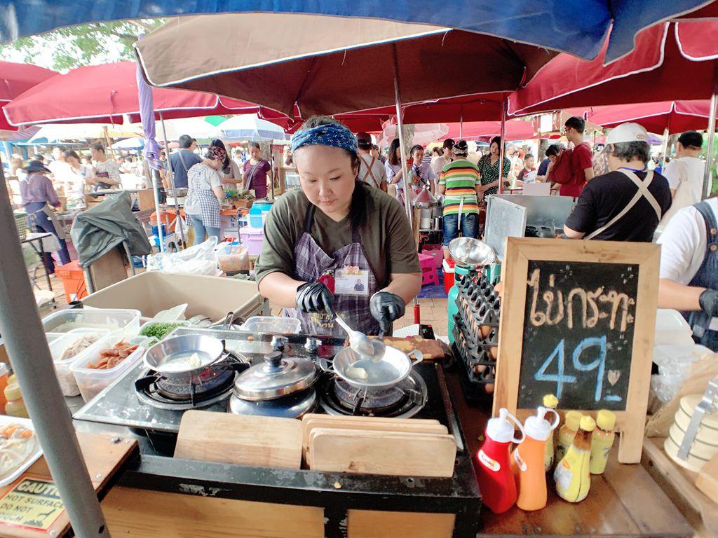 泰國清邁道地傳統小吃-開尬踏