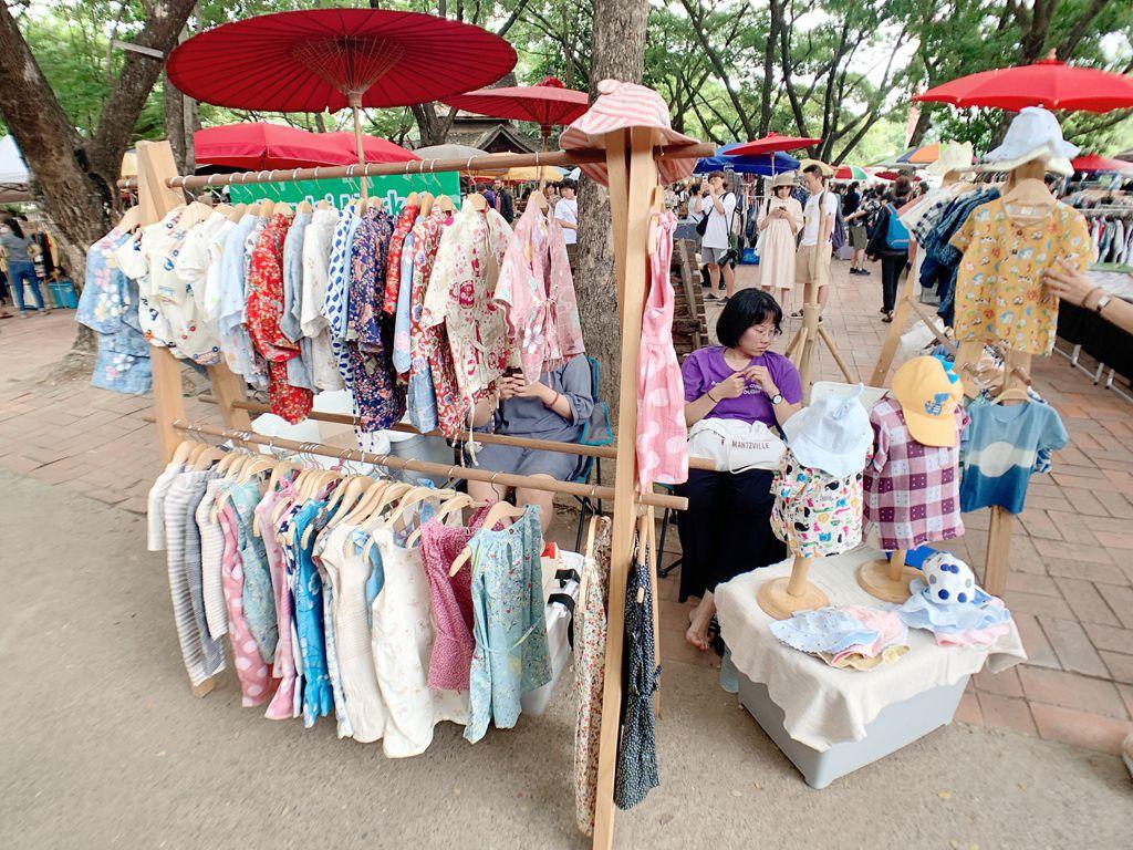 文創市集服飾攤販