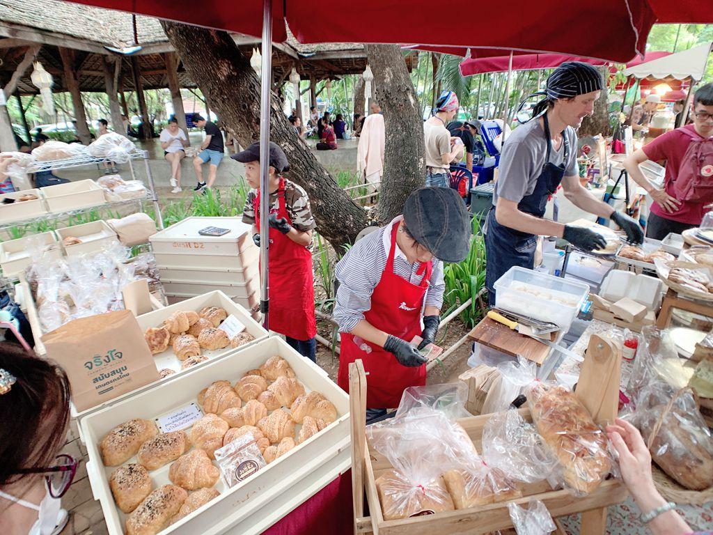 jingjaimarket麵包店-清邁傳統小吃