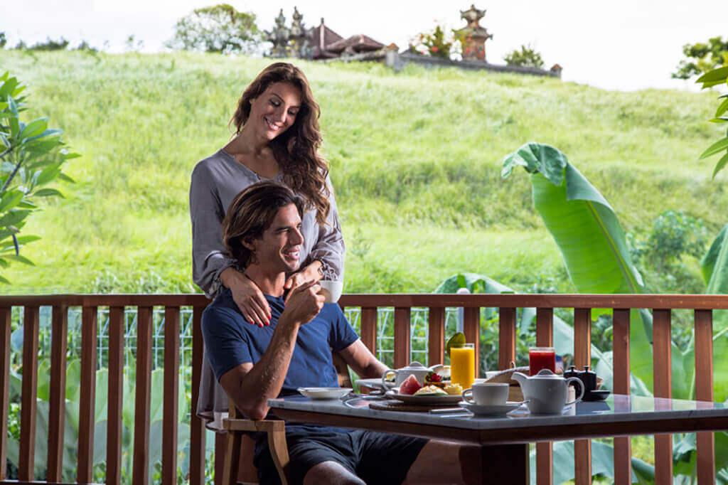 峇里島Villa你只需待在房間裡欣賞山谷的景色,看看書上上網