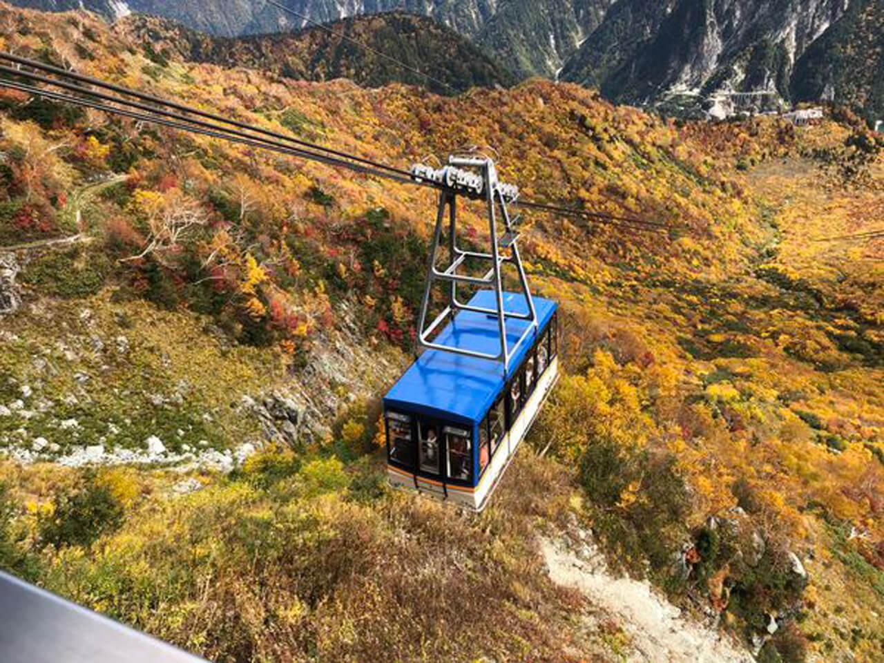 黑部立山(立山黑部)日本最長沒有支撐桿的纜車