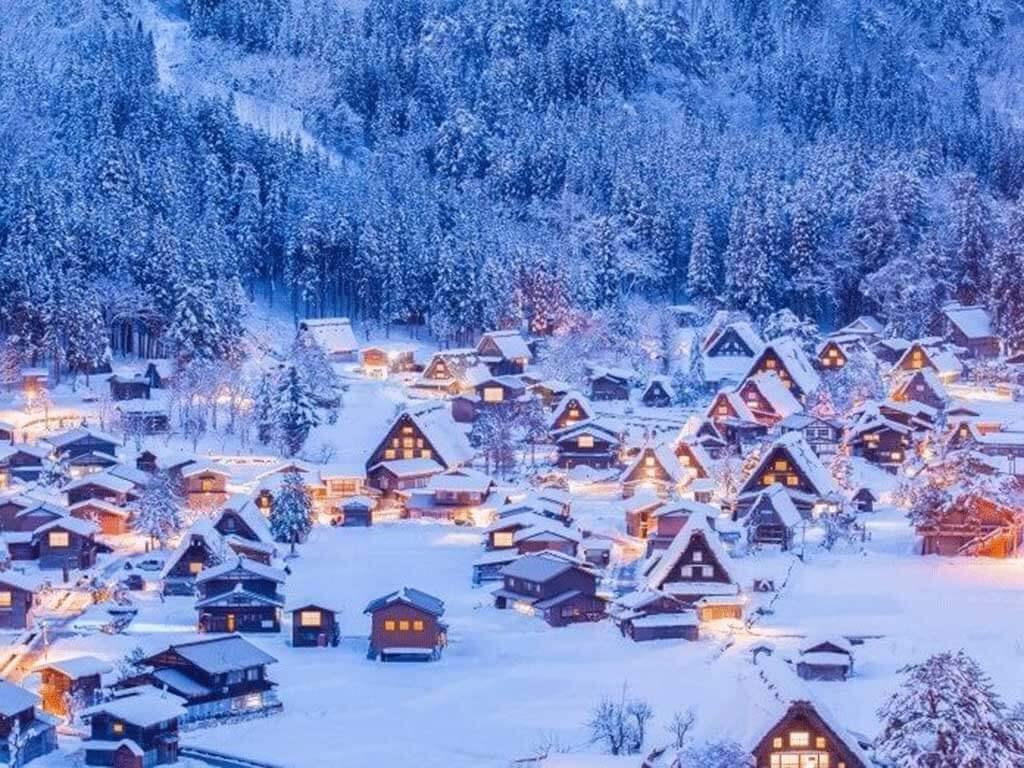 合掌村點燈的夢幻冬日薑餅屋美景