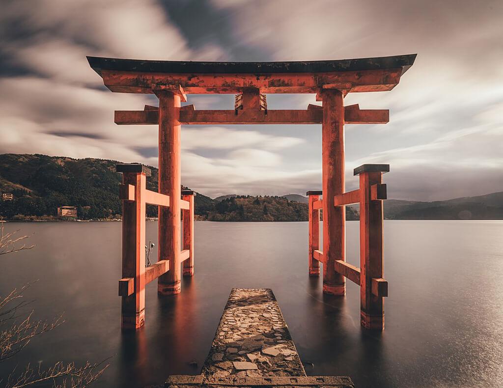 著名的箱根景點,也就是-箱根神社