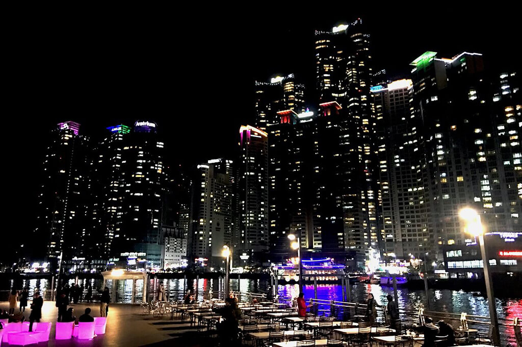The bay 101水中倒影