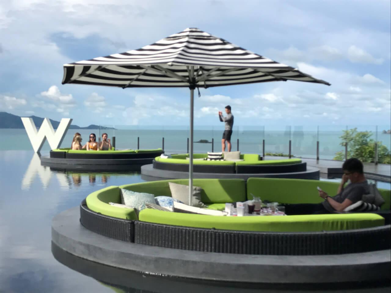 泰國海島旅遊:靠海的飯店